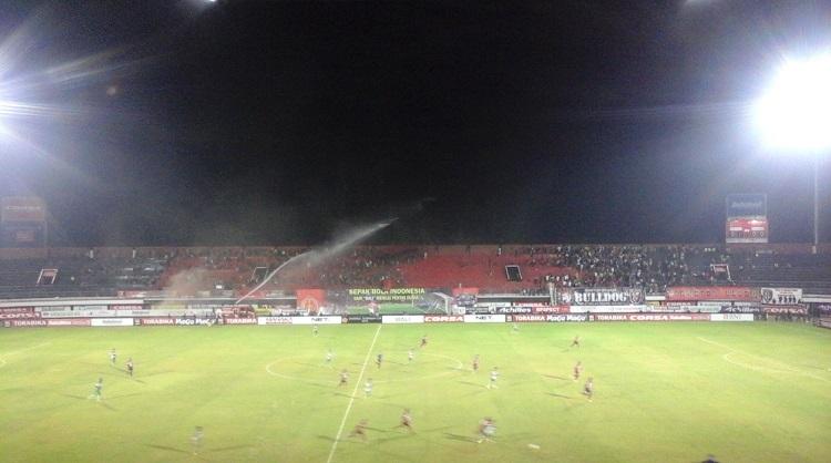 Pertandingan memperebutkan juara group B antara Persipura Jayapura vs Mitra Kukar