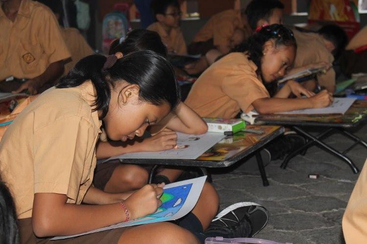 Lomba menggambar dan mewarnai di SDK 2 Santo Yoseph Denpasar