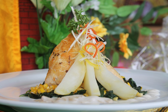 Chiken Stuffid Breast with Vegetable and Masrhoom Sauce buatan Sri Rahayu