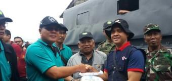 Bencana Desa Songan, IKIP PGRI Bali Serahkan Bantuan