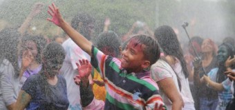 Wow Lapangan Puputan Badung Ada Festival Holi